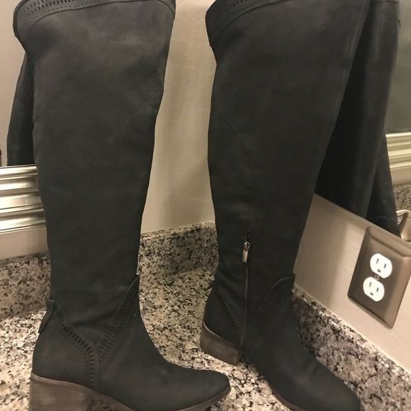 96487f385801 Vince Camuto Karinda Over Knee Boots 9 Wide calf. M 5bc2aee8534ef9e252aab936